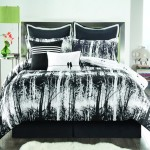 Funky Reversible Comforter Sets for a Quick Room Change